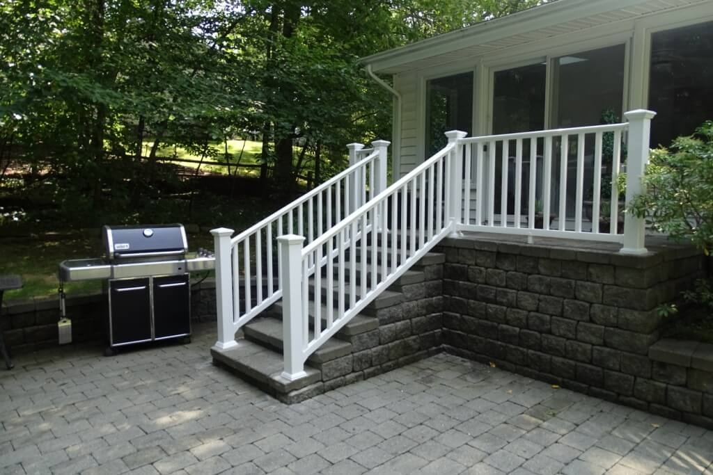 Ny Ct Vinyl Deck Railing Systems Aluminum Deck Railing   Outdoor Railings For Stone Steps   Screen Porch   Modern Outdoor   Backyard   Stone Patio   Fancy