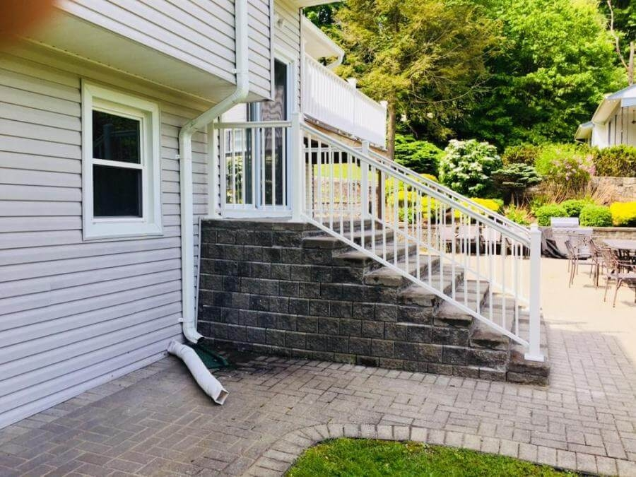 Ny Ct Vinyl Deck Railing Systems Aluminum Deck Railing   Vinyl Railing For Steps   Aluminum   Veranda   Hand   Square   Traditional
