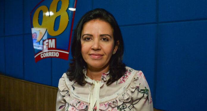 """""""A Paraíba perde tempo quando traz para o debate quem fica e quem sai do G11"""" diz deputada Pollyanna Dutra"""