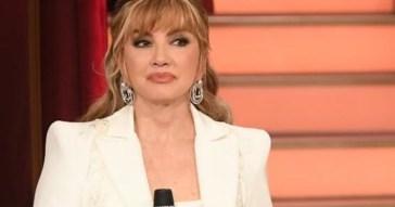 Dopo Raimondo Todaro lasciano Ballando con le Stelle altri due volti storici: Milly Carlucci commenta