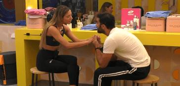 """Il due di picche di Soleil a Gianmaria Antinolfi: """"Eri pesante, ossessivo e limitavi la mia libertà"""" – VIDEO"""