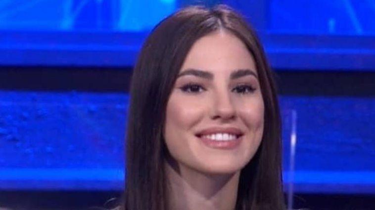 Giulia De Lellis verso Sanremo 2022? Amadeus vorrebbe farsi affiancare da due influencer