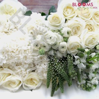 Favorite Wedding Flowers     Wedding Flower Trends Artisan White DIY Wedding Flower Pack