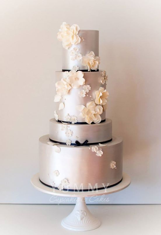Silver Wedding Cakes Archives   Bouquet Wedding Flower A silver black and white wedding cake