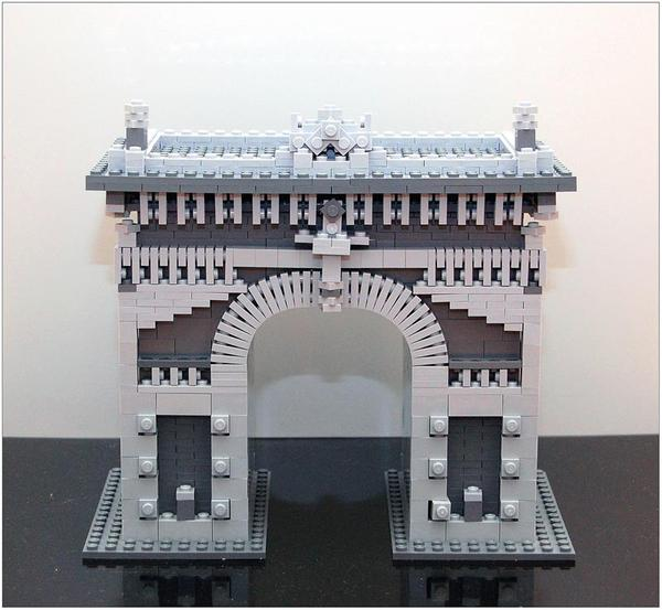 Fascinating LEGO     Model of the Day  Triumphal Arch of Simple Techniques Every once in a while  a fantastic model from somewhere else in the world  reminds you of just how many great things you don t see because of language