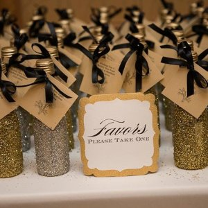 25 Homemade Wedding Favors Your Guests Will Love   BridalGuide 30 Favor Ideas From Real Weddings