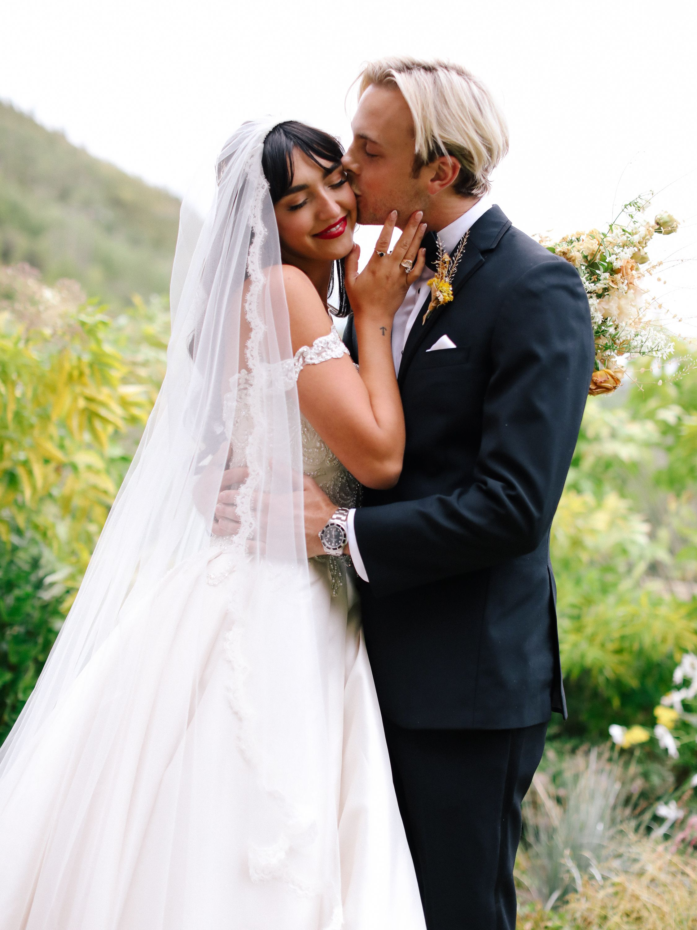 Riker Lynch And Savannah Latimer S Fall Wedding In Utah