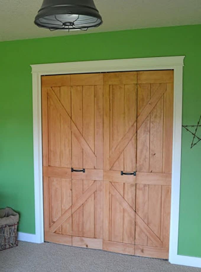 Diy Bi Fold Closet Door Makeovers Bright Green Door