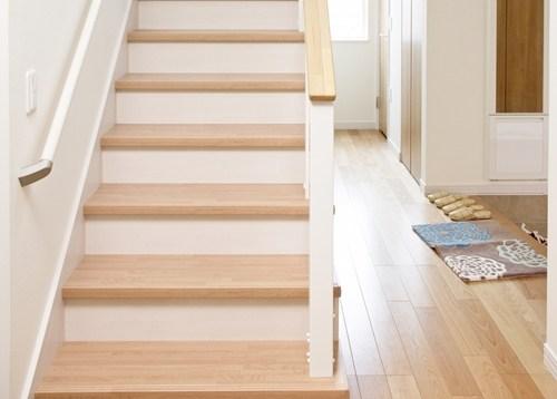 Installing Vinyl Flooring On Stairs A Guide | Best Wood For Stairs | Engineered Hardwood | Stairway | Engineered Wood Flooring | Staircases | Wooden Staircase