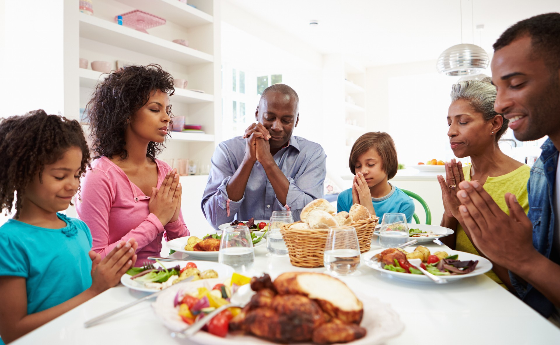 10 Thanksgiving Prayers and Table Graces