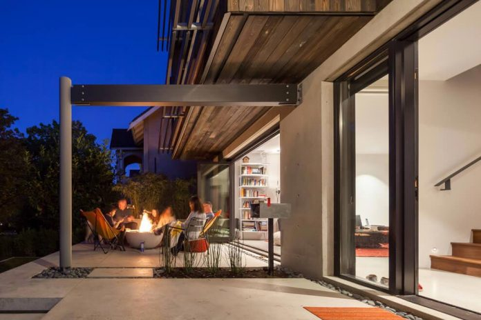 Mid Century Home Design With Exposed Structural Steel I