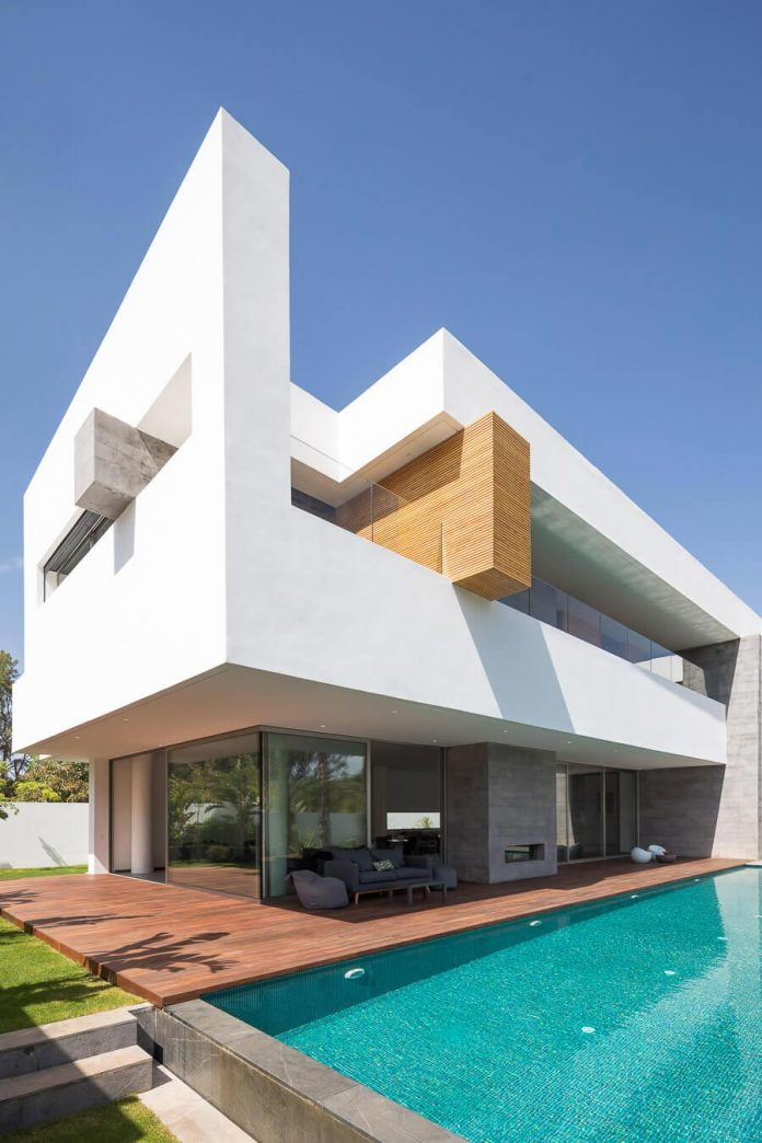 Villa C A Modern Private House In A Luxury Suburb Of