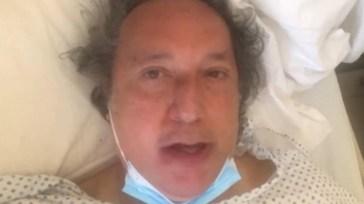 """""""Mi hanno operato per un tumore"""". Fulvio Abbate, il messaggio dall'ospedale: """"Vi voglio bene"""""""