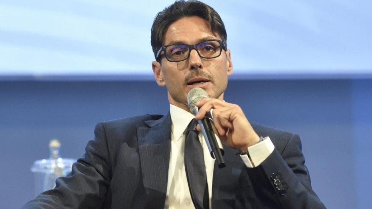 """""""È meglio se pensa ad altro"""". Strane cose a Mediaset, il big di Canale 5 contro Pier Silvio Berlusconi"""