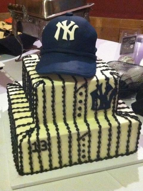 Grooms Cake Yankees