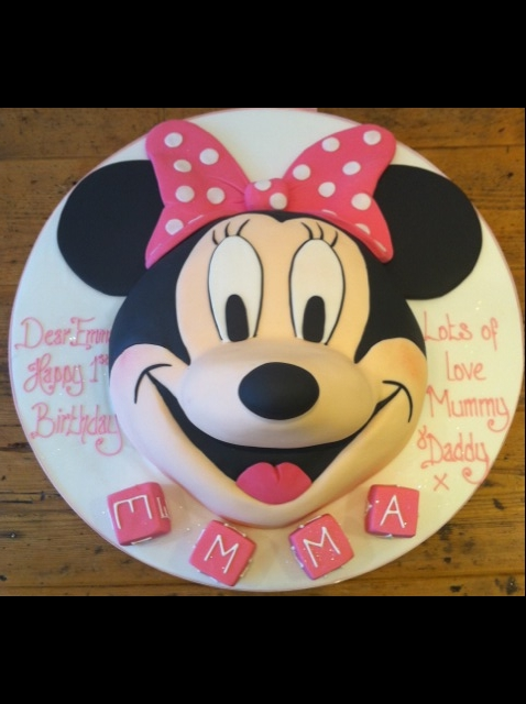 Mickey Mouse And Minnie Mouse Birthday Cakes Cakes By Robin