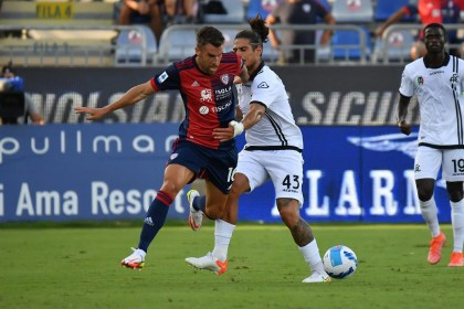 Strootman finds Genoa once more; Cagliari restarts from the Dutch