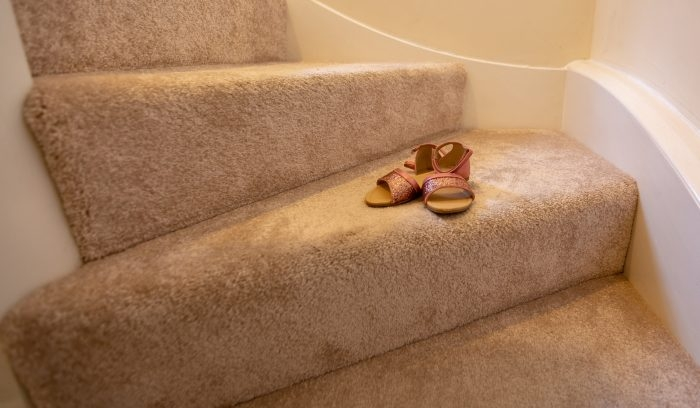 What Is The Best Carpet For Stairs With High Traffic Runrug Com | Best Carpet For High Traffic Stairs | Floor | Stairway Carpet | Stair Treads | Staircase | Hallway