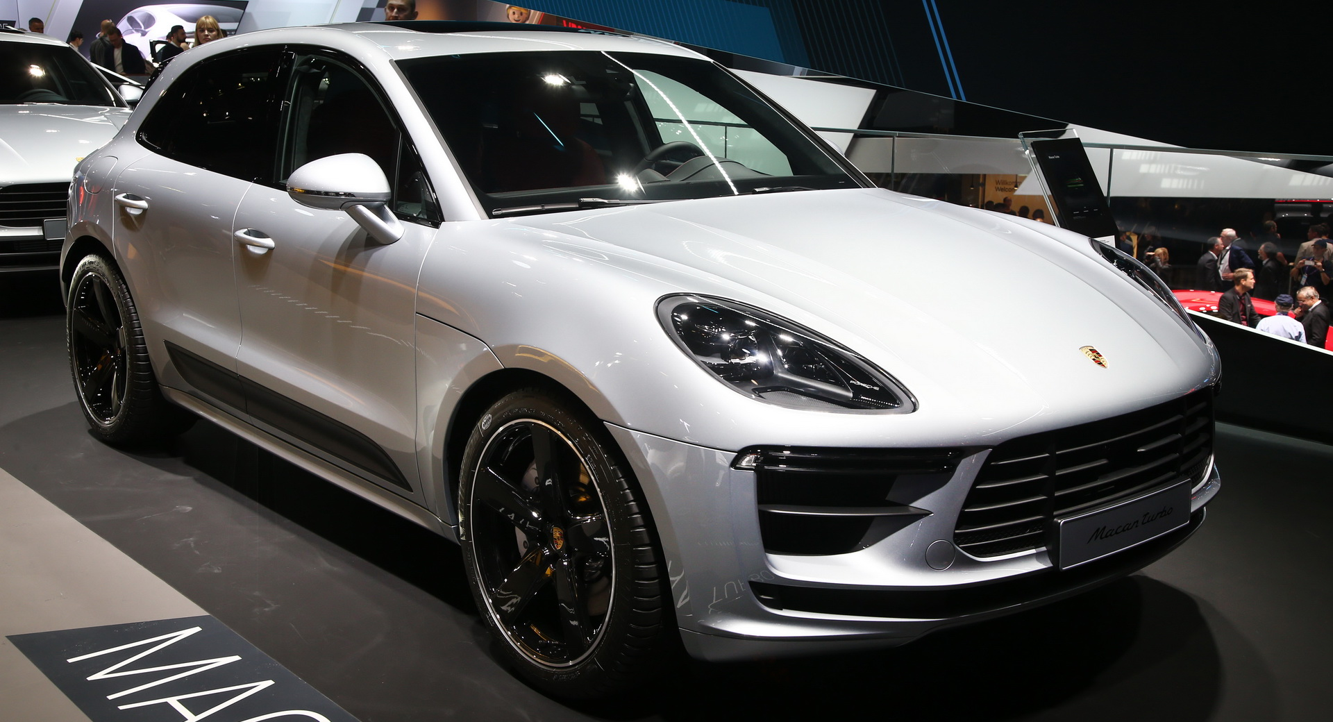 2020 Porsche Macan Turbo Debuts With 434 Hp 2 9l Turbo V6