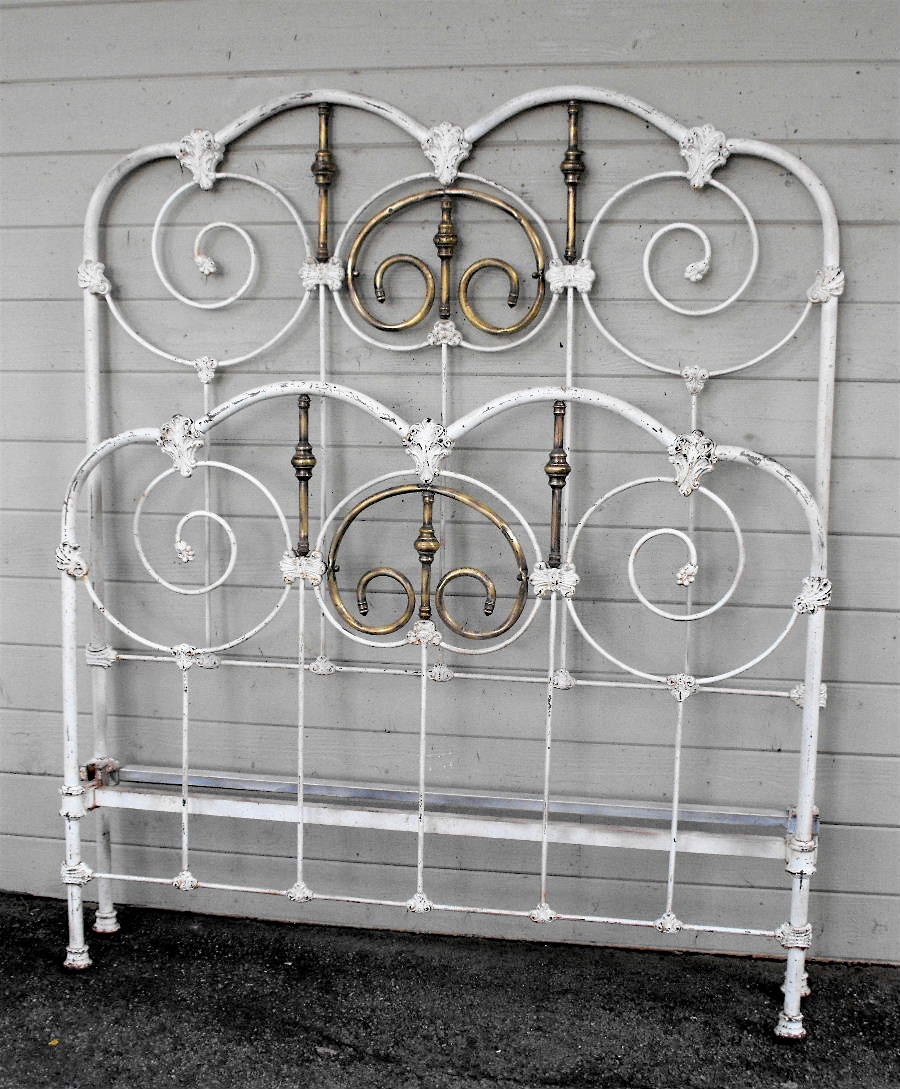 Antique Iron Bed 12 Cathouse Antique Iron Beds