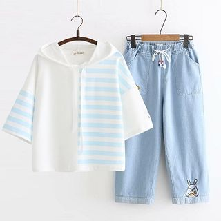 Striped Panel Short-Sleeve Hooded T-Shirt / Cropped Jeans / Set