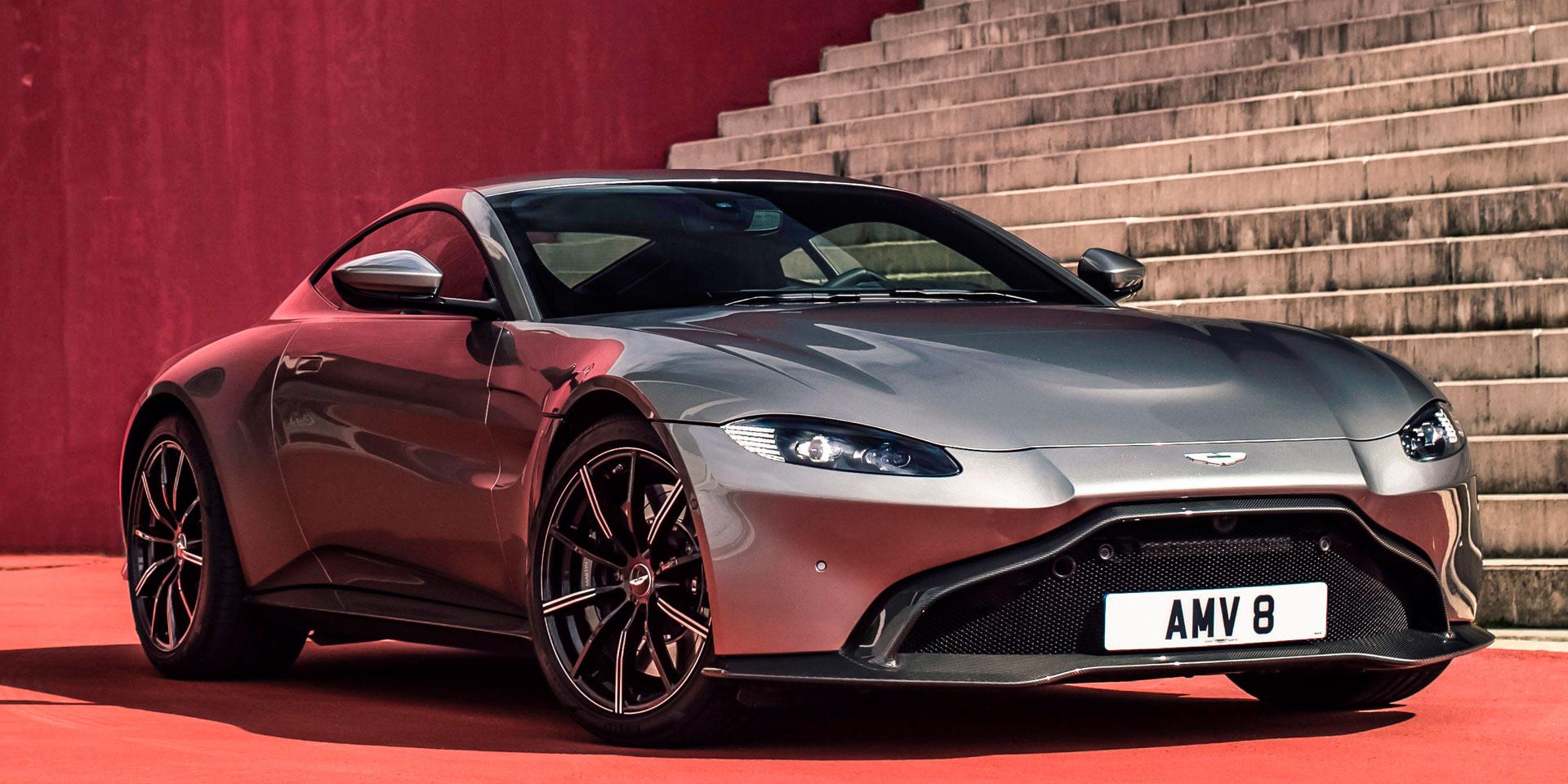 2019 - Aston Martin - Vantage - Vehicles on Display ...