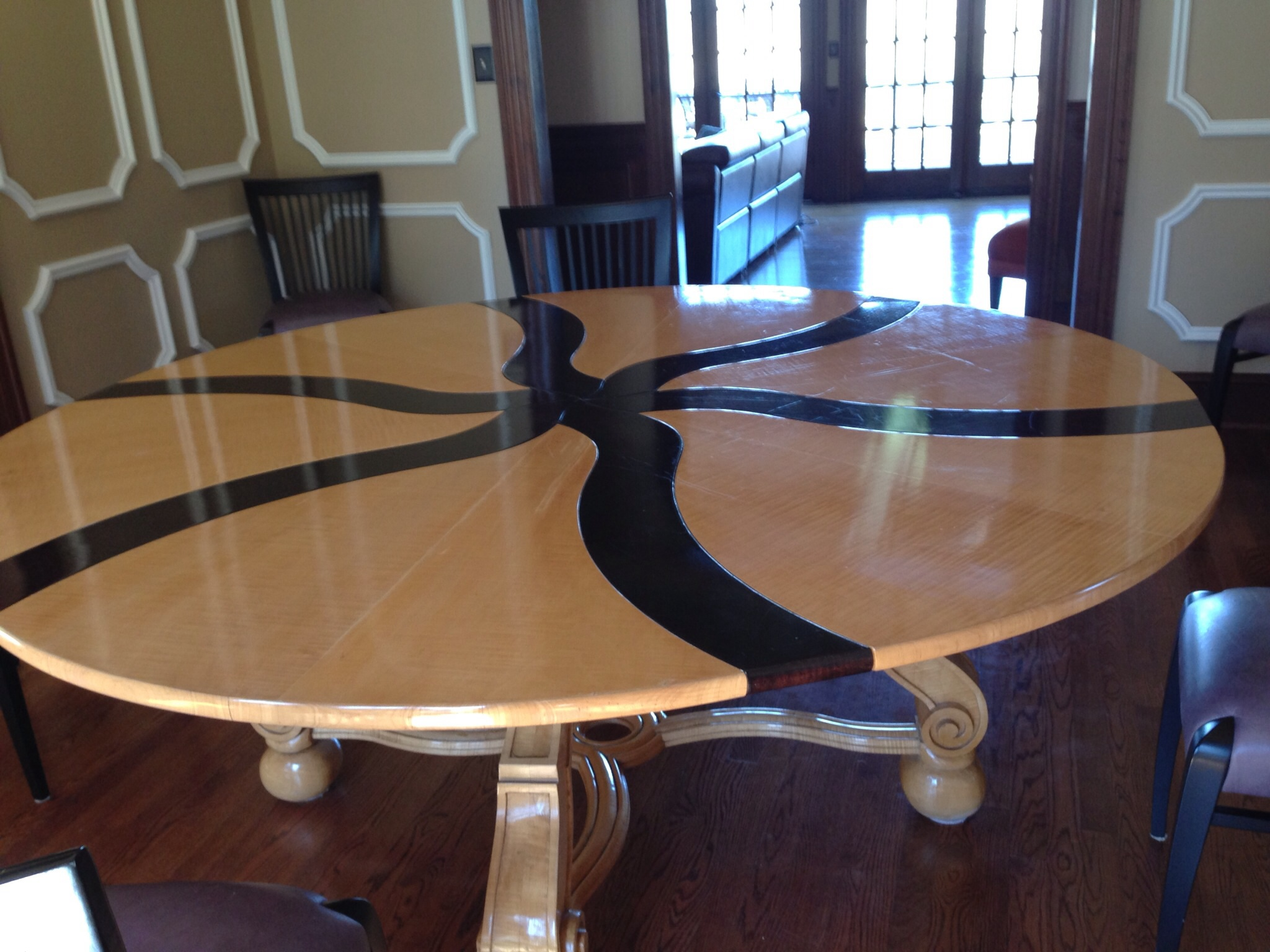 Circle Table That Expands Interior Design Amp Decorating Ideas
