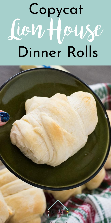 Lion House Dinner Rolls / Lion House Rolls / Dinner Rolls / Easy Rolls #rolls #dinnerrolls via @clarkscondensed