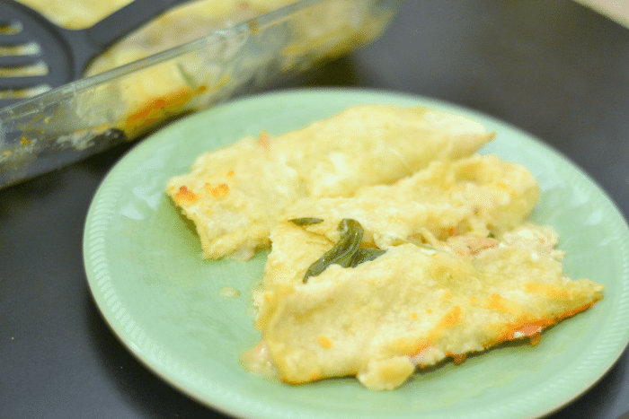 Creamy AND healthy chicken enchiladas filled with rotissiere chicken, mozzarella, spinach, and more! (can be made lactose free)