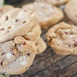 Easy White Chocolate Cranberry Cookies