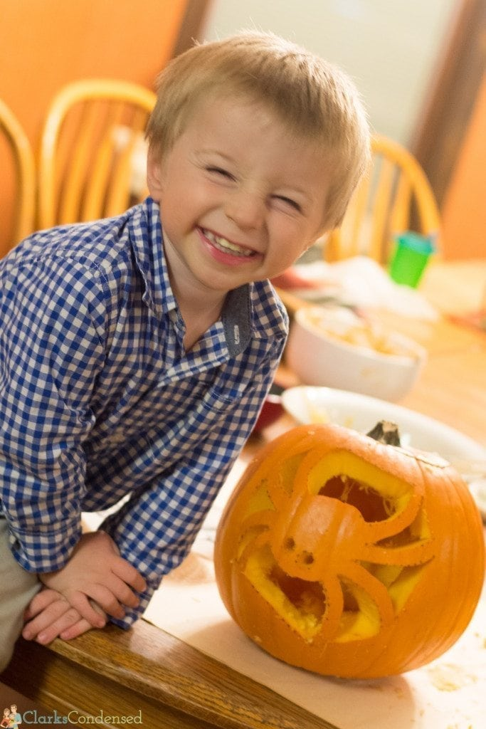 toddler pumpkin carving