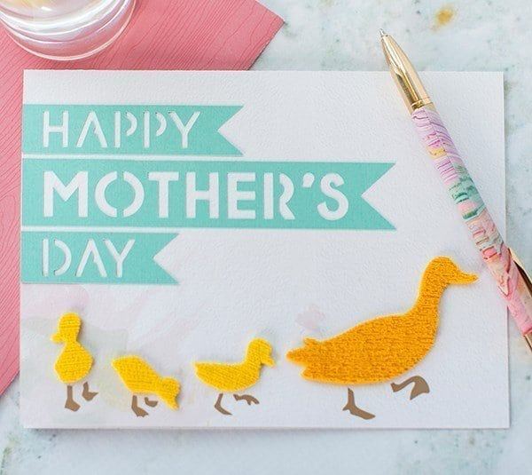 mother\'s day card with baby ducts