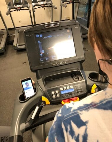 working out with aaptiv on treadmill