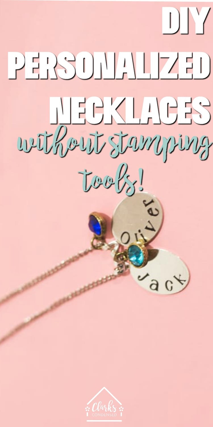 Make your own personalized neckalces (mom necklaces, anyone?) using vinyl! These make for great gifts #cricutmade #cricutcrafts via @clarkscondensed