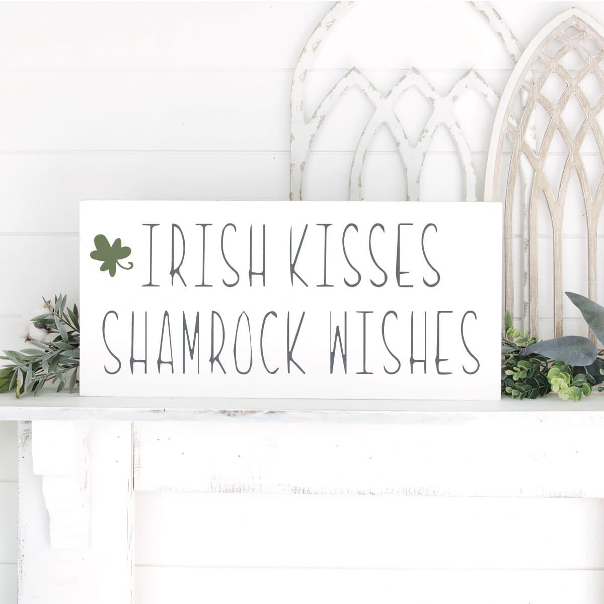 Cricut St Patrick's day sign