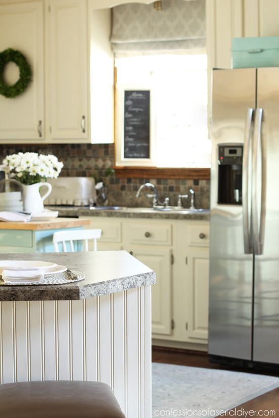 5 Ways To Add Farmhouse Charm To The Kitchen And A