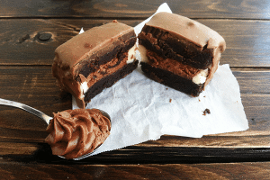 Cake Pop Sandwiches with chocolate mousse