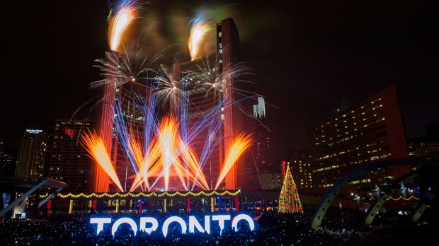 Toronto s New Year s Eve guide  Frigid temperatures  fireworks and     toronto  nathan phillips square  new years eve