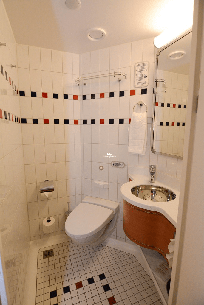 Small Bathroom Layout Plans