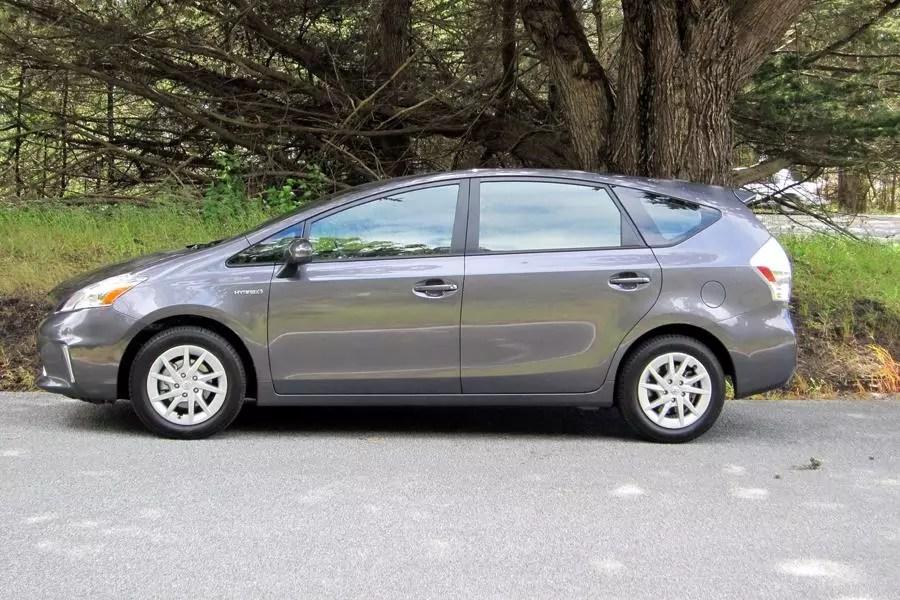 2012 Toyota Prius V Specs Pictures Trims Colors Cars Com