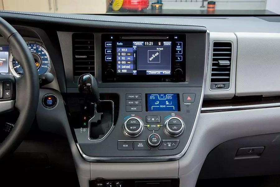 2016 Toyota Sienna Specs Pictures Trims Colors Cars Com