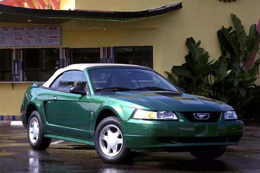 2000 Ford Mustang Reviews Specs And Prices Cars Com