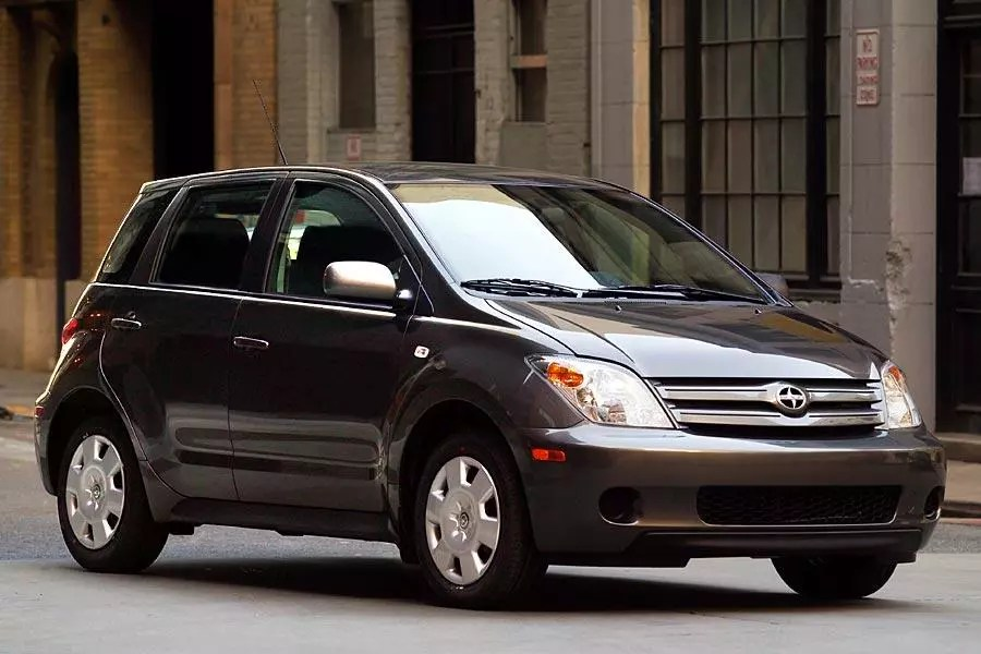 2005 Scion Xa Reviews Specs And Prices Cars Com