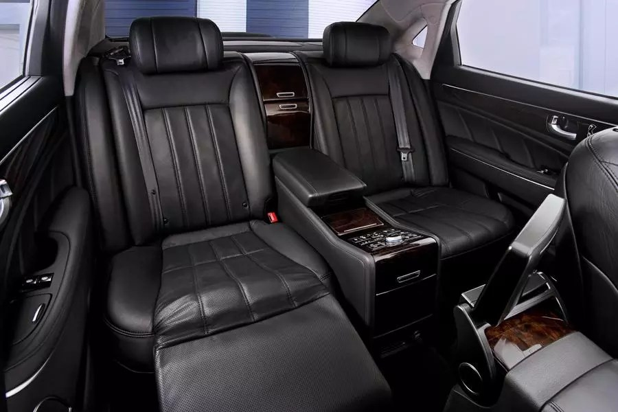 2013 Hyundai Equus Reviews Specs And Prices Cars Com
