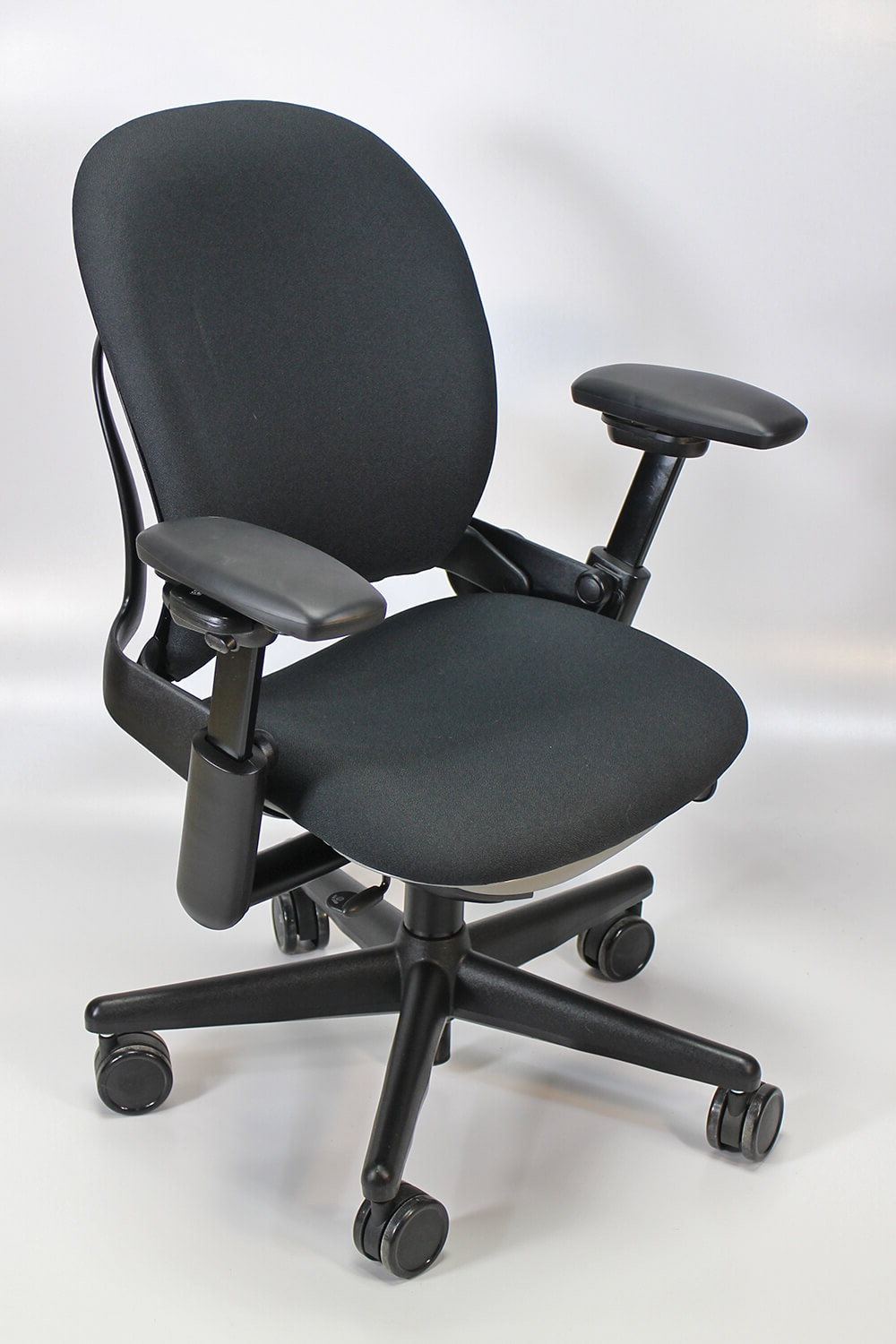 Steelcase Leap Chair Version 1 4pack