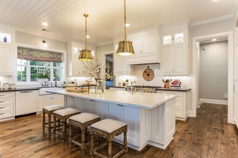 Cabin Rustic Kitchen Islands