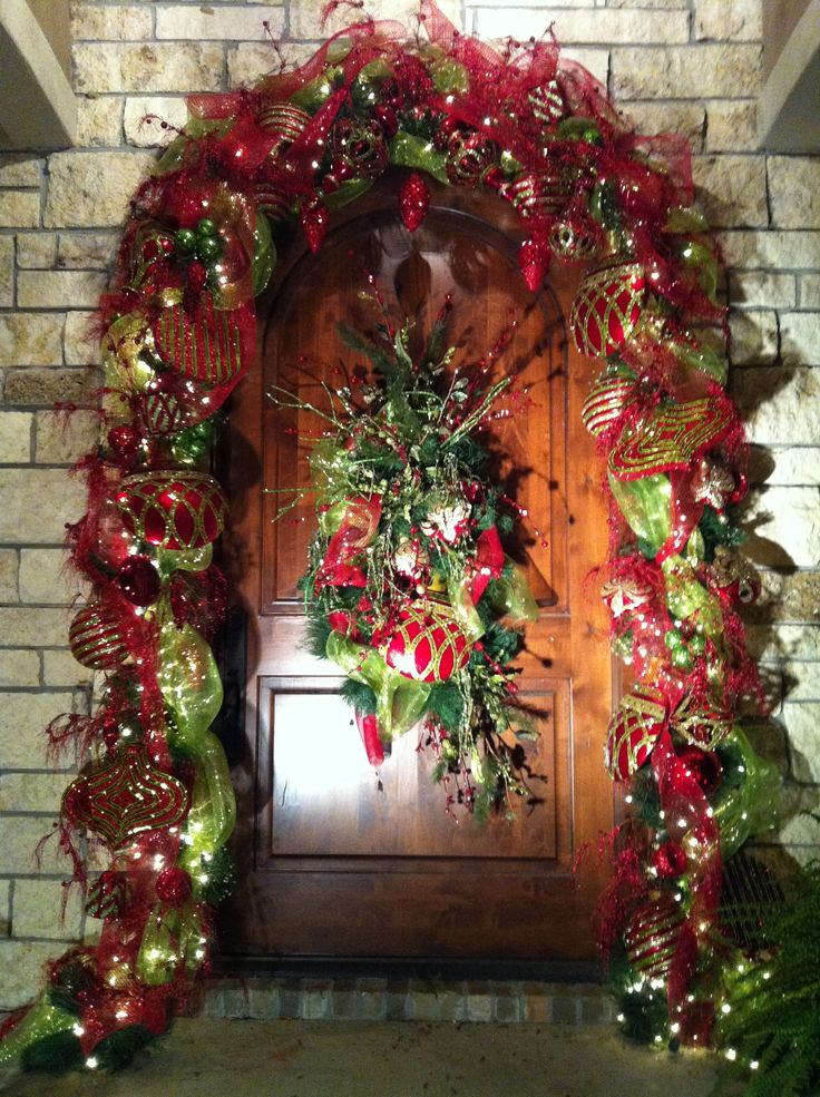 40 Christmas Door Decorations Ideas You Can Copy