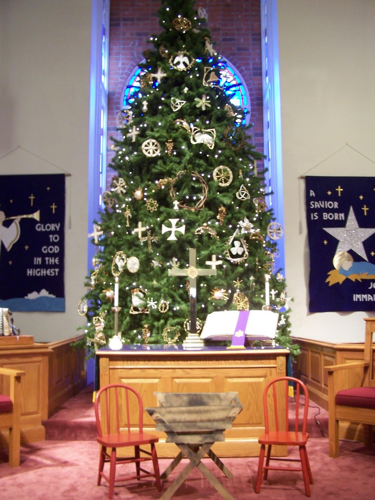 35 Church Christmas Decorations Ideas You Love Decoration Love