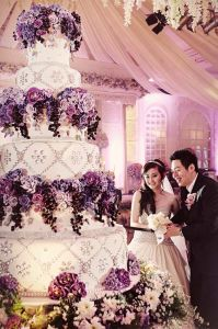Top 13 Most Beautiful Huge Wedding Cakes   Deer Pearl Flowers     beautiful wedding cakes  purple hunge wedding cake