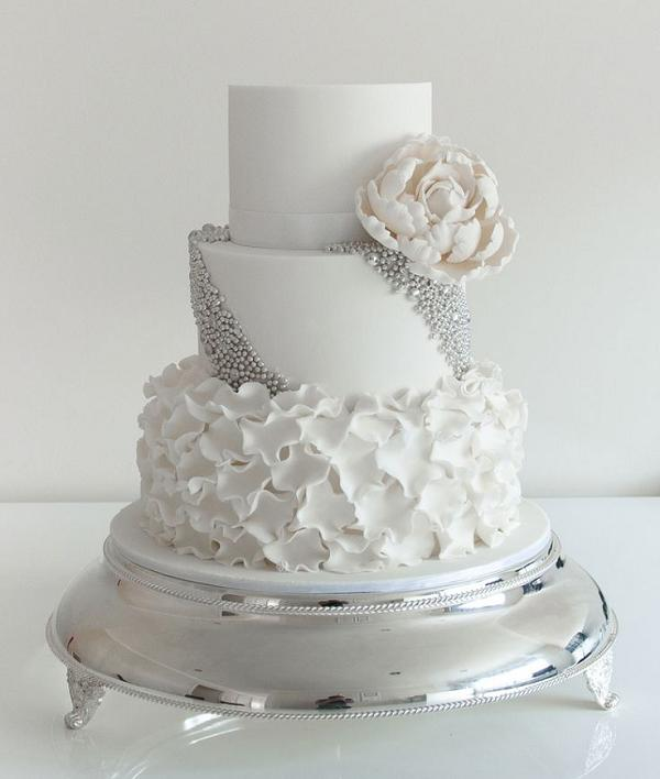 silver wedding cake idea   Deer Pearl Flowers silver wedding cake idea